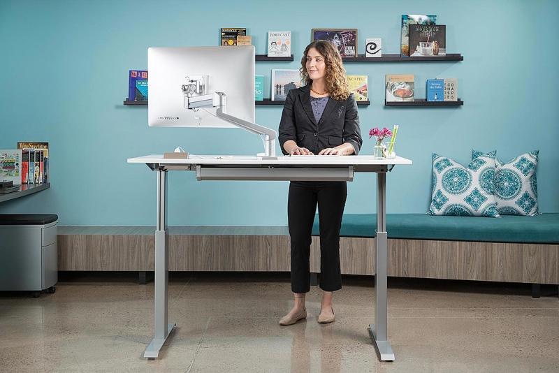 1024px-Sit-Stand-Adjustable-Desk-FlexTable